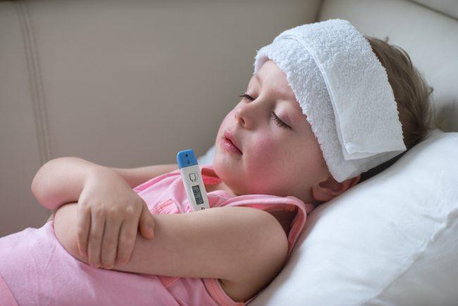 Срочная медицинская помощь нужна, если после принятия жаропонижающих препаратов температура продолжает расти