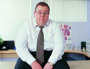Причиной обильного потоотделения может стать как привычное ожирение, так и наличие более серьезных патологий