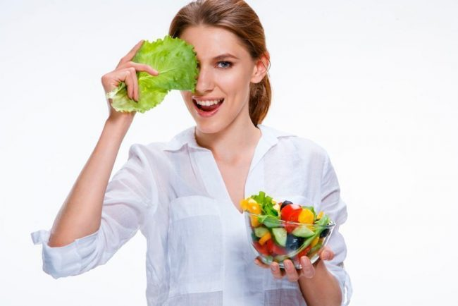 При планировании беременности и, тем более, при первых ее симптомах, следует очень внимательно подойти к своему здоровью - наладить рацион питания и образ жизни в целом