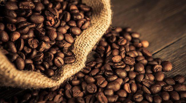 Эффективный скраб для снятия отечности – кофейный