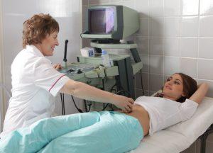 Чтобы результаты первого скрининга были точными и достоверными, нужно провести этот анализ з 11 по 13 неделю беременности