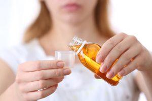 Если вас беспокоят частые запоры, то после консультации с врачом можно принимать пребиотики, например Хилак Форте, Дюфалак и другие