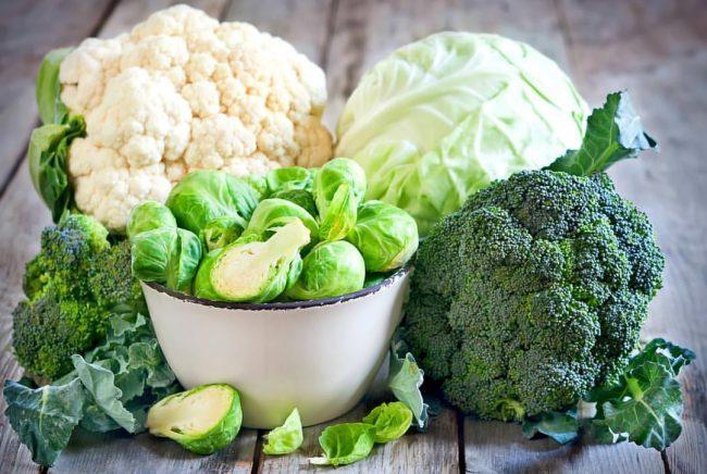 Фрукты и овощи являются отличным источником белков и других необходимых питательных веществ. Они содержат клетчатку и много витаминов, в которых нуждается организм для правильного функционирования