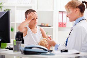 Важно понимать, что при выявлении серьезных симптомов сотрясения мозга, ни в коем случае нельзя заниматься самолечением. Поход к доктору обязателен, а после проведения всех анализов уже можно задуматься над восстановлением и лечением в домашних условиях.
