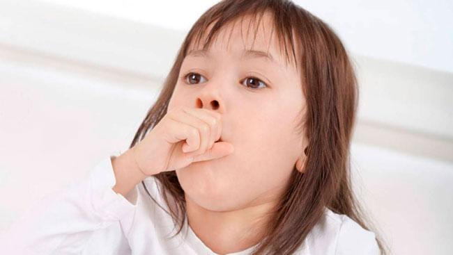 Острый стеноз развивается от пары минут до одного месяца, представляет собой молниеносный острый отек гортани первой степени риска, опасен летальным исходом