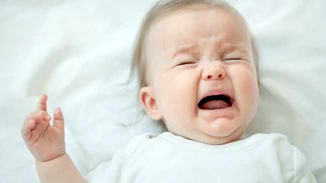 Столбняк у новорожденных считается самым опасным и тяжелым по течению, заражение младенцев происходит через пупочную ранку, в случае нарушений правил антисептики в больнице или когда дети проживают в условиях низкой гигиены