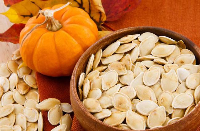 Тыквенные семечки – натуральный продукт, который приносит пользу различным органам человека