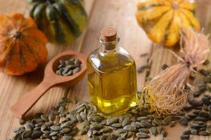 Перед началом курса приема тыквенного масла внутрь лучше предварительно проконсультироваться с врачом