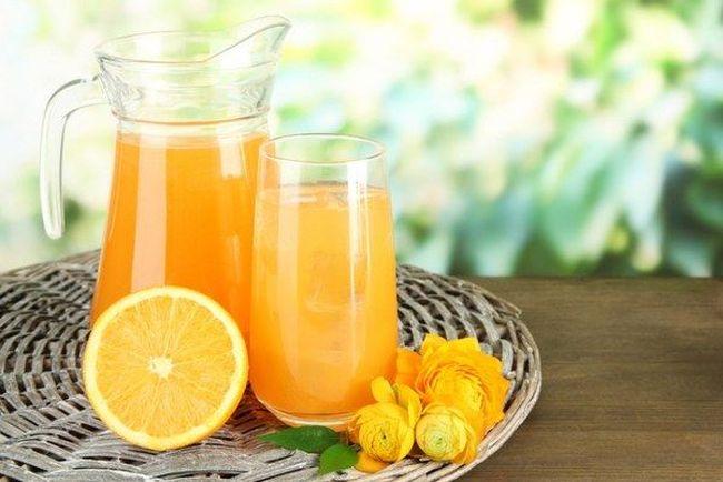 При дефиците витамина Д рекомендуют пить апельсиновый сок