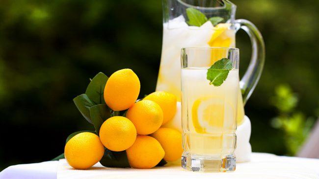 Этот напиток действительно содержит множество полезных веществ: калий, магний, кальций, железо, витамины С, А и вся подгруппа витаминов В. Поэтому попадая в организм, напиток способствует активации работоспособности всех внутренних систем