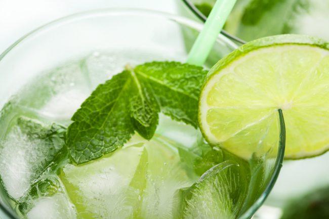 Все, кто пробовал этот напиток, отмечают также, что он отлично утоляет жажду, обладает бодрящим, освежающим и тонизирующим эффектом
