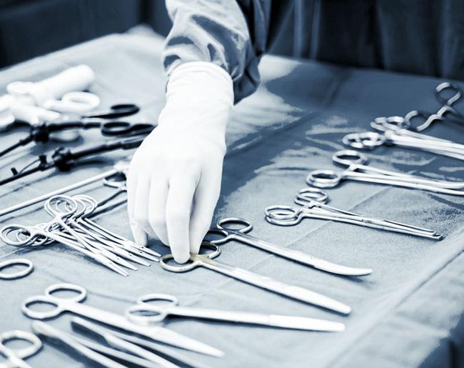 Оперативное лечение врожденного гидроцеле рекомендуется проводить в возрасте 1,5 – 2 лет; посттравматического - через 3-6 мес. после травмы
