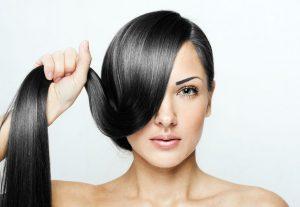 Если вы хотите вернуть себе крепкие и красивые волосы, лучше не заниматься самолечением, а при первых тревожных звоночках отправляться к трихологу
