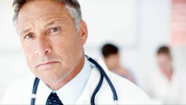 Как и все гормональные препараты Диспроспан серьезно воздействует на организм, поэтому делать уколы Диспроспана можно только по назначению и под наблюдением врача