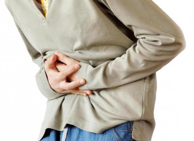 Лекарствво может вызвать побочные реакции, а при передозировке остановку дыхания, судороги, кому, анафилактический шок