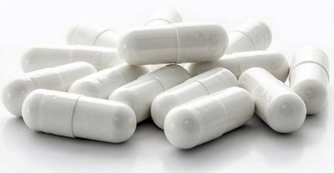 Препарат выпускают в твердых желатиновых капсулах белого цвета, внутри капсул белый или почти белый порошок