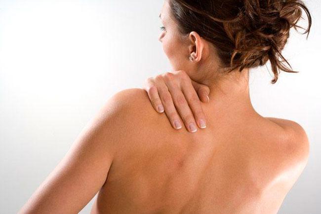 В начале заболевания могут приниматься меры для снятия острых болей и отеков, и только после этого врач может назначить другие методы лечения